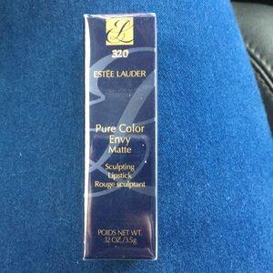 Other - ESTEE LAUDER Pure Color Envy Matte Lipstick